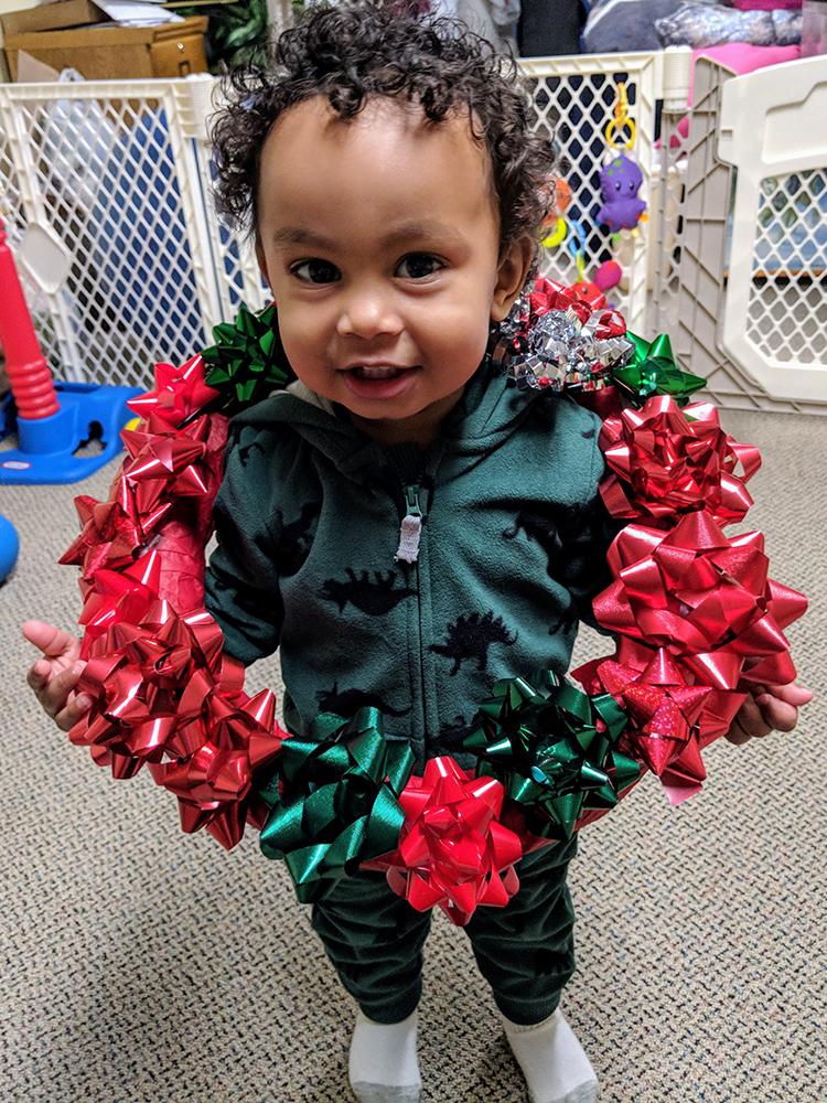 step-four-christmas-wreath-kids